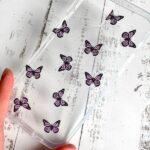 Carcasa Mariposas Moradas – Iphone 12